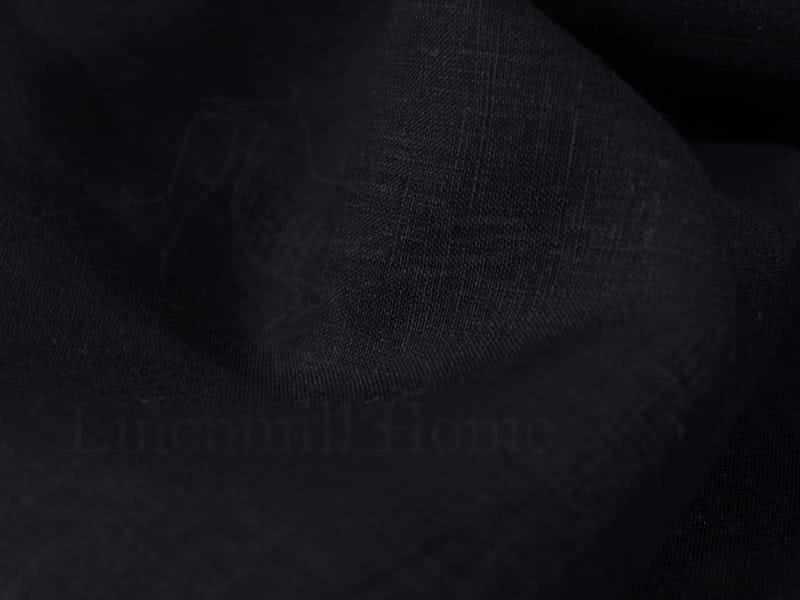 150 см. Чёрный лен батист Black 125 г/м