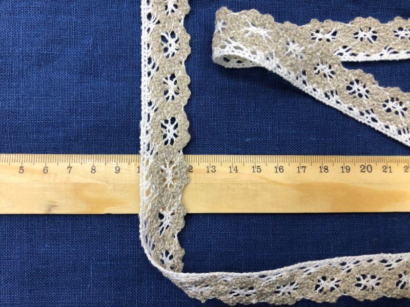 20 мм Узкое льняное кружево с белыми паучками