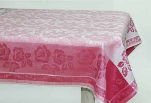 150х250 Жаккардовая розовая скатерть Елизавета