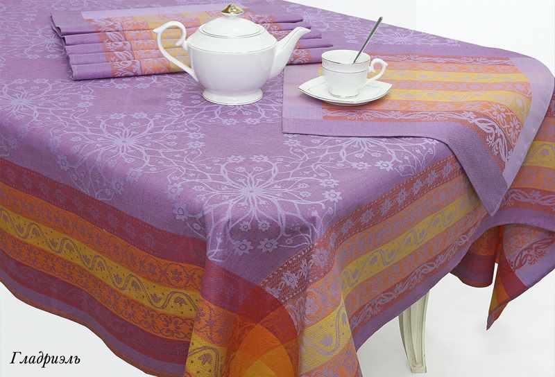 180х255 Фиолетовая скатерть с салфетками Гладриэль