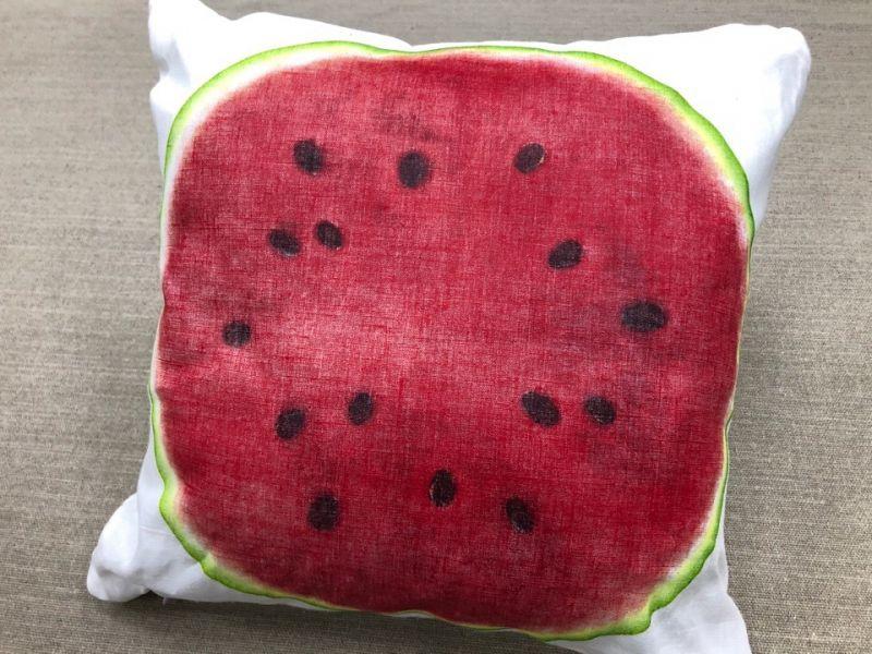 40х40 Декоративная подушка на диван на кухню Арбуз