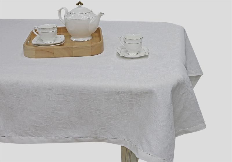 165х200 Белая жаккардовая скатерть Барбара с мережкой