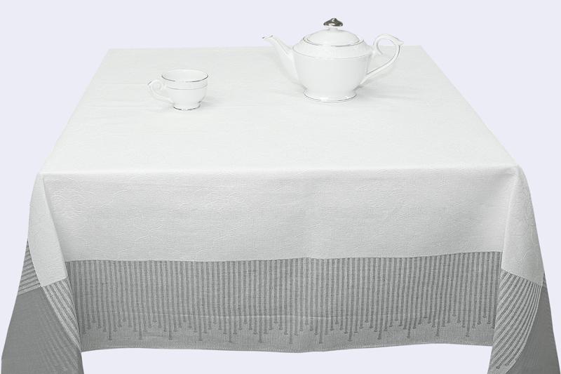 150х150 Белая скатерть со строгим рисунком
