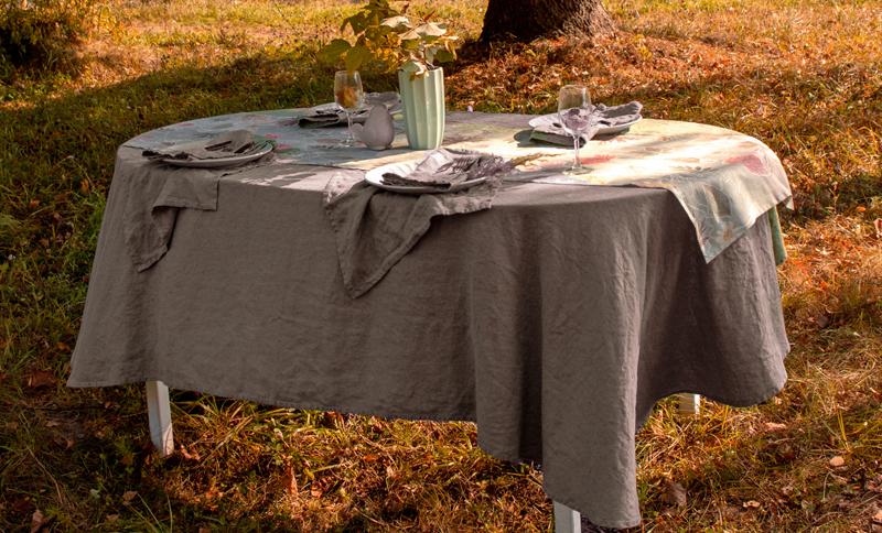 135х200 Коричневая скатерть на стол