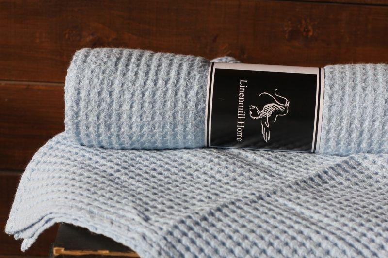 70х130 Голубое банное вафельное полотенце