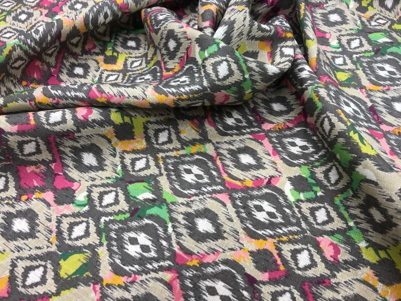 150 см. Льняная ткань для платья African mask