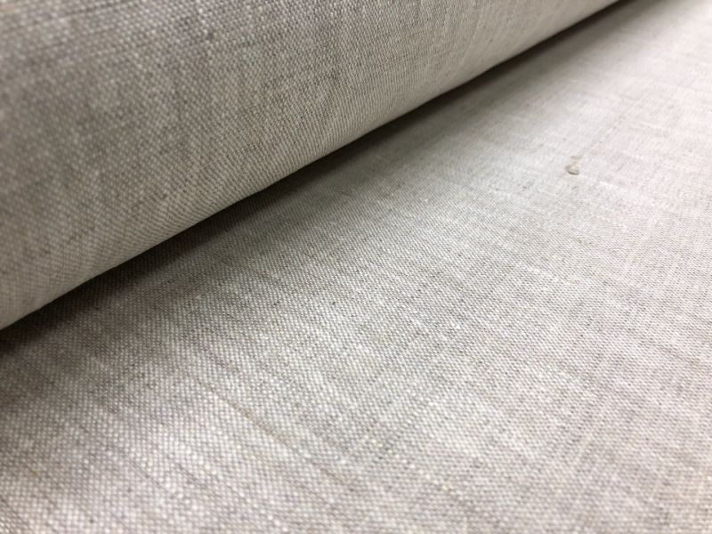 150 см. Плотная льняная ткань натурального цвета