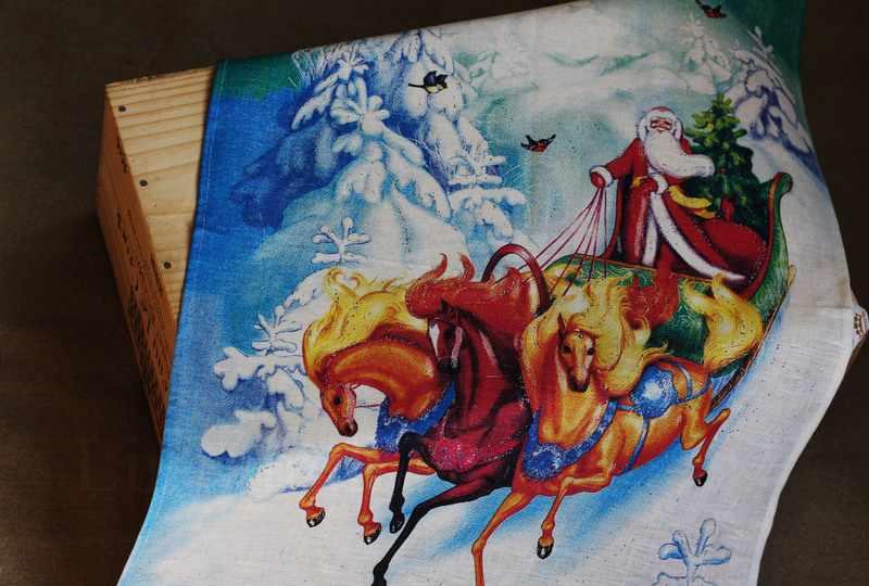50х70 Новогоднее полотенце Тройка