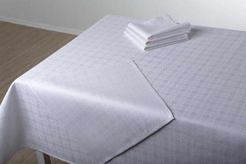 143х200 Белая праздничная скатерть с салфетками