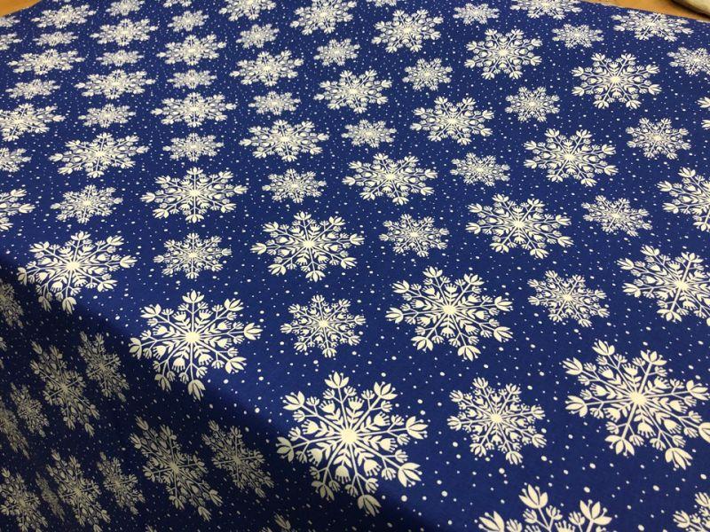 150 см. Ткань с новогодним принтом Зимняя ночь