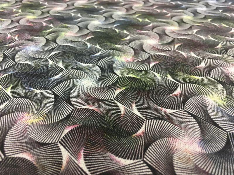 150 см. Льняная ткань для платья Kaleidoscope
