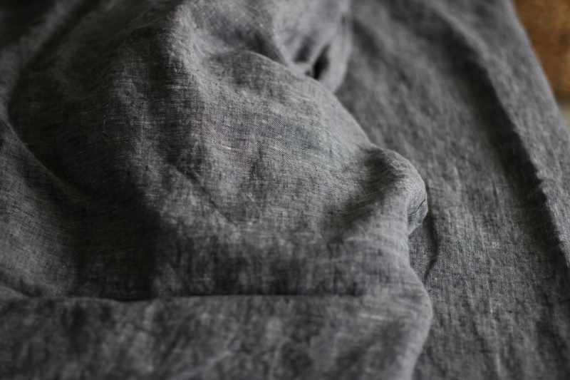230х240 Евро-простынь лен черный меланж Графен