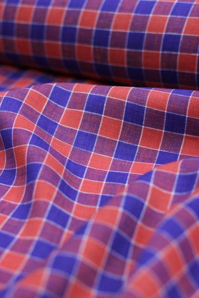 150 см. Сорочечная плательная ткань в красно-синию клетку
