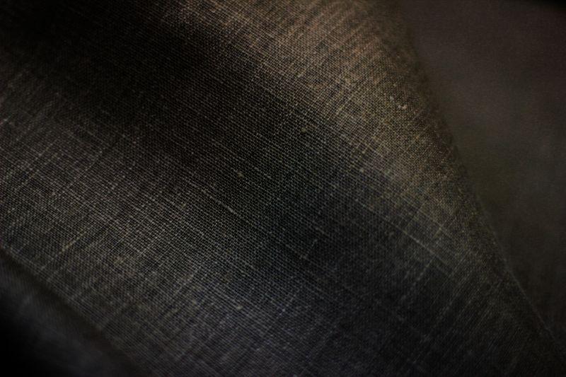 180 см. Коричневая плотная льняная ткань