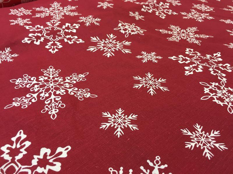 150 см. Новогодняя ткань рисунком Кружевные снежинки