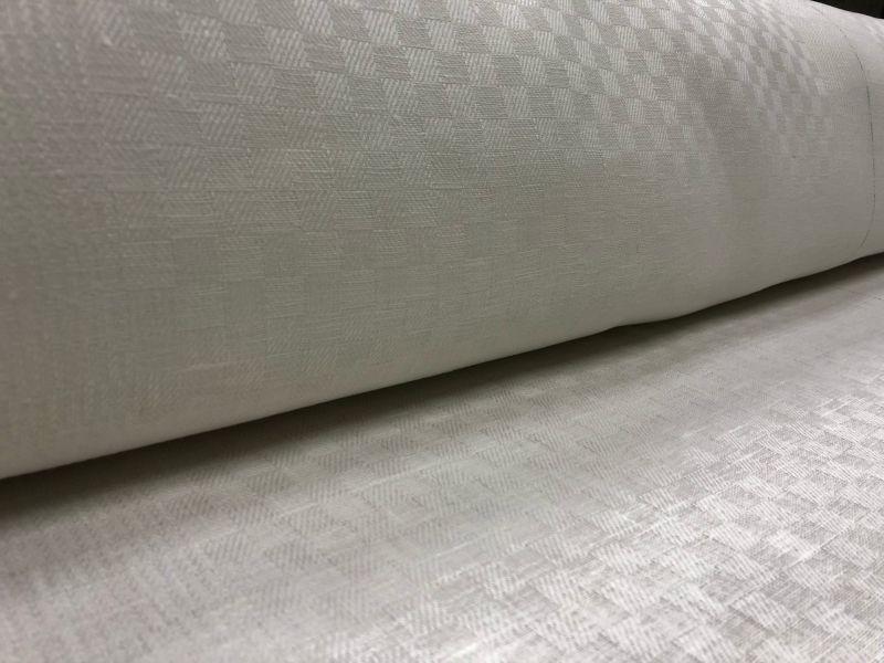 160 см. Белая жаккардовая ткань Бонн