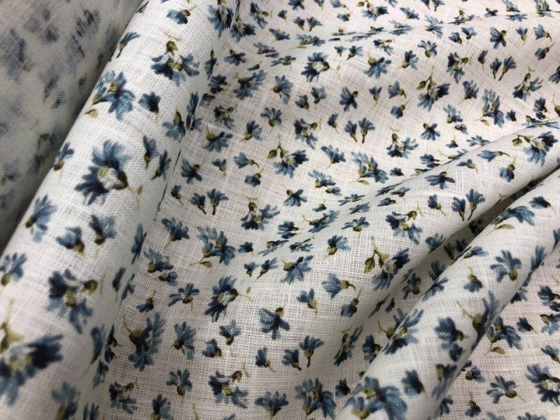 150 см. Льняная ткань для платья Ситец