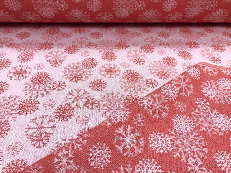 150 см. Жаккардовая ткань новогодняя со снежинками красная