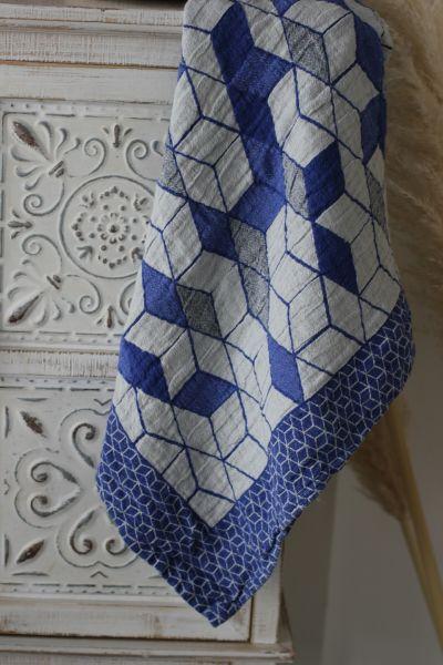 56х110 Банное полотенце Кубики