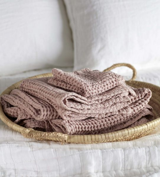 50х70 Розовое вафельное полотенце для рук
