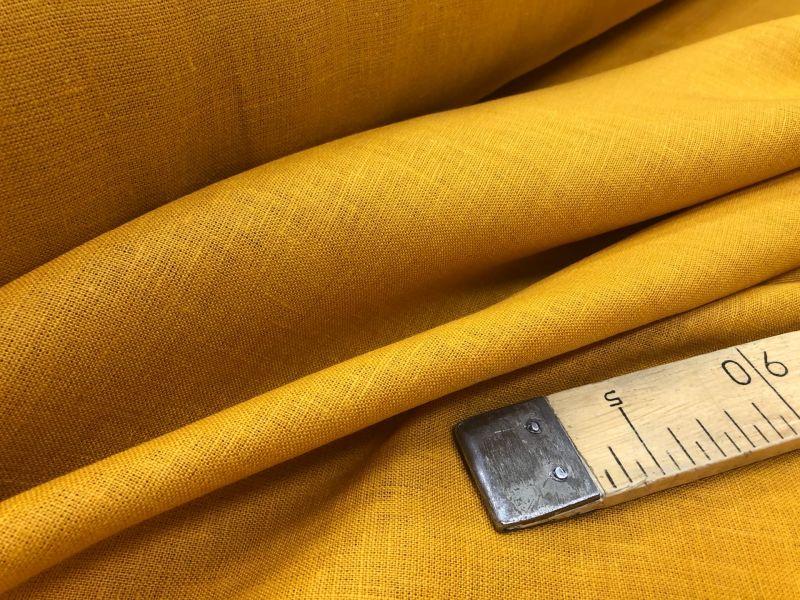 150 см. Умягченная льняная ткань для одежды горчичного цвета