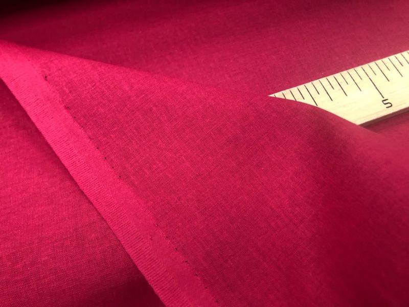 150 см. Ткань хлопковая бязь красная