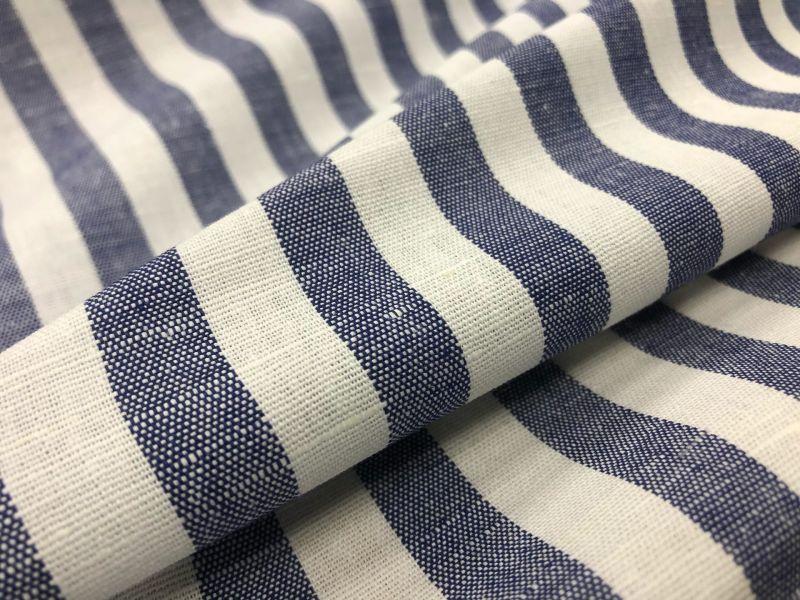 150 см. Ткань сорочечная в синюю полоску
